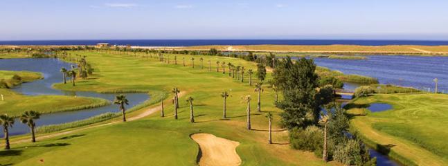Golf course nerar the Villa