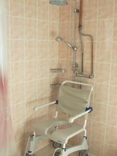 En-suite wetroom with showerchair available