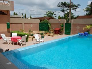 Calavi Bénin  2 chbres ptit dej et piscine, Cotonou