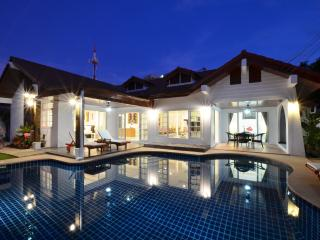 Grand Condo Jasmine pool villa 300 meter from beach