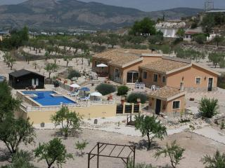UNIQUE HOLIDAYS SPAIN B&B, Castalla