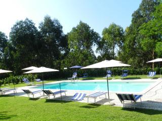 Nibbio Reale Villa (Hotel) con piscina, tra Napoli e Roma