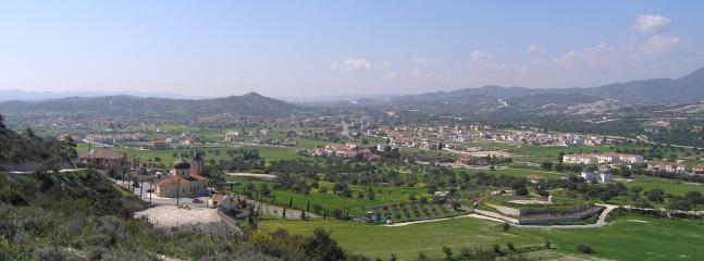 Alethriko village & valley.