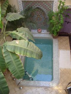 Plunge pool in open courtyard