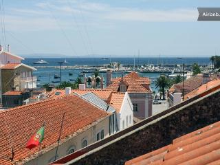 Charming flat with sea view, Cascais