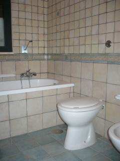 bagno con vasca al primo piano