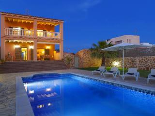Villa Ibiza, fantastic Ibiza Town villa with pool, Ibiza Ciudad