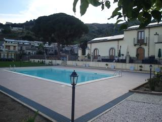PATITIRI DOUBLE ROOM+POOL(n°7)near Savoca&Taormina