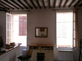 Antibes apartment for rent in old town