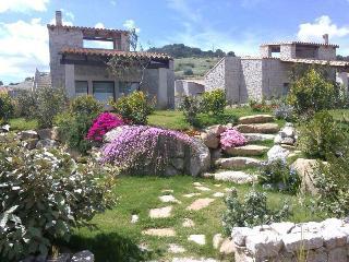 Villetta indipendente con giardino 600 m dal mare