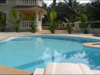 Ghatswood Suites. A Bijou resort in a secluded, tranquil setting. 6 apts