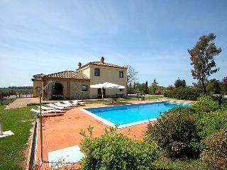 Detached villa with private pool near Rome, quiet location and great views!!!