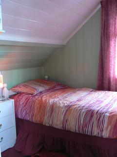 Second upstairs bedroom - bed plus chairbed