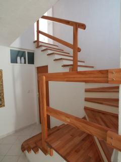 the steps that lead to entrance of the apartman