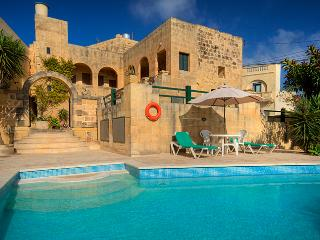 Gharb Villa/Farmhouse