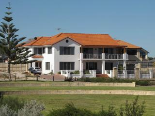 VILLA DAMORE BEACH FRONT 50m FROM  THE  BEACH