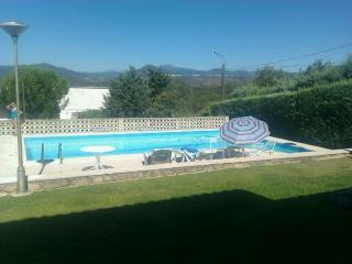 Casa para 12 personas con piscina, jardín y barbacoa