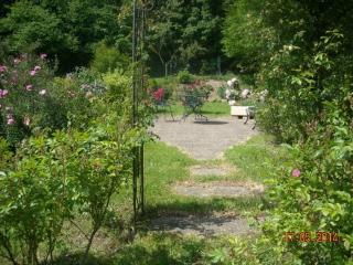 Sunny garden areas to escape and enjoy the rural quiet