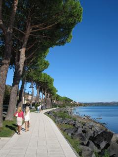 Promenading at Lake Bracciano. Just stunning!