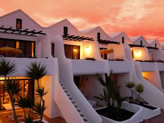 SANDS BEACH RESORT, COSTA TEGUISE, LANZAROTE