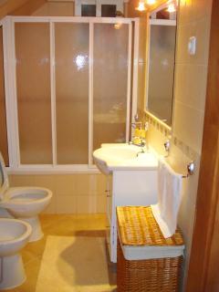 Beautiful bathroom-tub/shower combination...