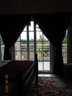 Queen bedroom porch