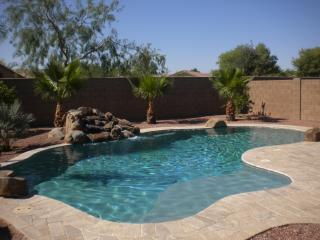3 bedrooms 2.5bath spacious 2 story w/heated pool, Maricopa