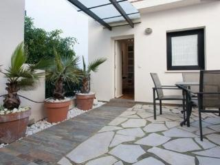 Estudio/ Suite independiente con terraza, Sevilla