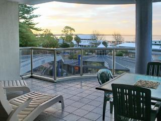 Nelson Towers, Unit 8/71 Victoria Parade-LINEN SUPPLIED, Nelson Bay
