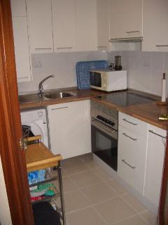 Vista desde la entrada de la cocina totalmente equipada e independiente