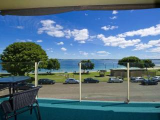 Little Hut, Unit 4, 20 Kurrawa Close, Nelson Bay