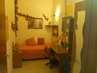 appartamento composto da tre camere, fitto anche tutto l'appartamento