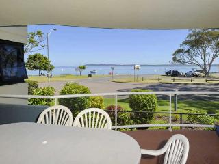 Florentine, Unit 3, 11 Columbia Close, Nelson Bay
