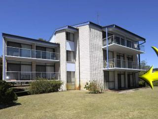 Villa Ellisa, Unit 1/10 Columbia Close, Nelson Bay