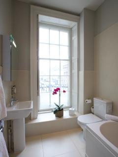 Bathroom - 1st floor Apartment