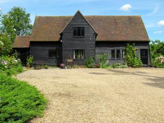 BURNTWOOD END Barn.Idyllic rural location, Saffron Walden