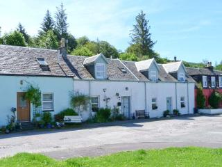 ROSE COTTAGE, rural location, open fire, woodburner, lawned garden in Strachur,