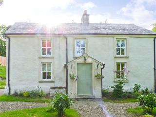 GLEN ALTO, woodburner & open fire, pet-friendly, Sky TV, beautiful woodland setting, near Inistioge, Ref. 30503