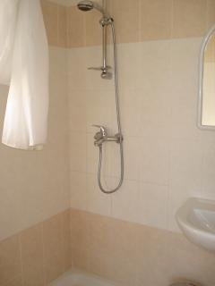 Master bedroom En suite shower