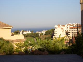 Lovely Apartment with sea & Golf views and Large sunny balcony. Quiet area.