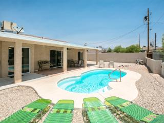 Spacious 3bed/3bath home w/ Heated Pool, Lake Havasu City