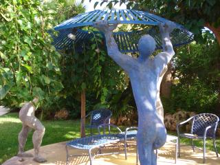 The atist's sculptures in the garden