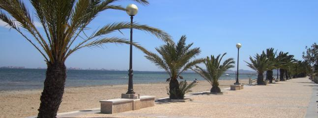 El Carm oli beach - walking distance
