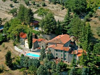 Grand Tuscan farmhouse with pool access  in Vernio