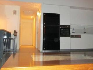 3 bdrm luxury Apt steps from Beach of Ramat Aviv., Tel Aviv