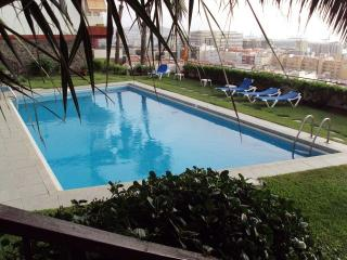 Apto + piscina y buenas vistas, Las Palmas