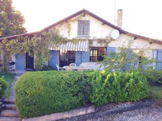 Beautiful 4 bed farmhouse nr Brantome, Dordogne – Périgord