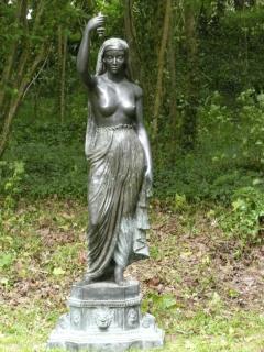 'Lucie' vous accueille dans le bois