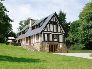 Le Grand Val, holiday cottage and barn with heated indoor pool and games room