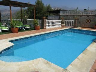 Chalet-apartamento con piscina